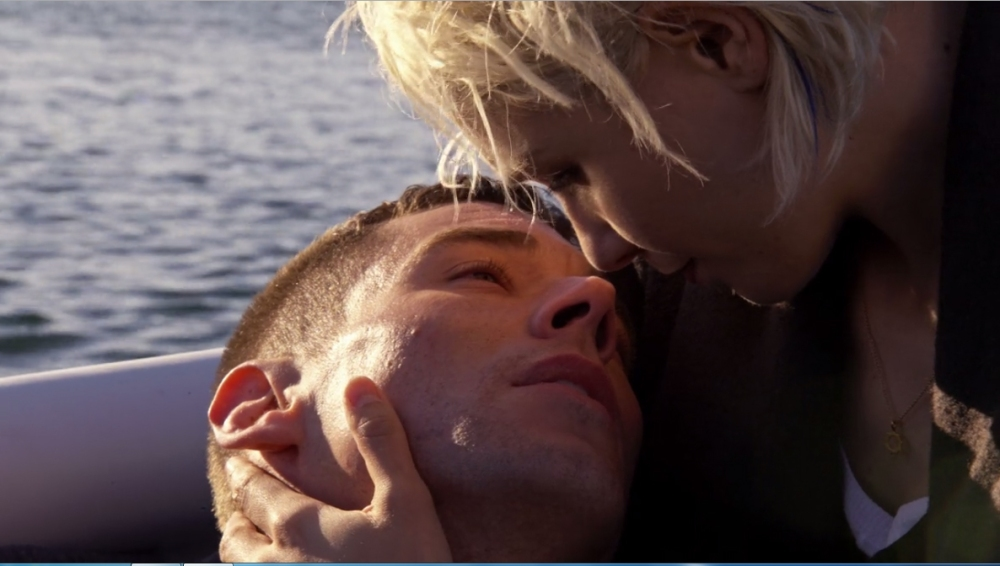 riley-and-finn-sense8